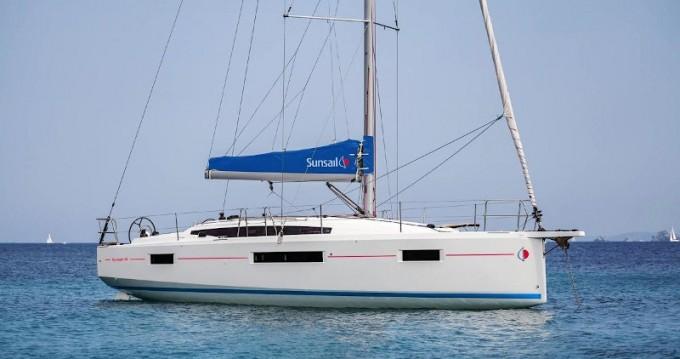 Boat rental Piraeus cheap Sunsail 41.0