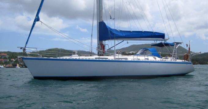 Boat rental Le Marin cheap Centurion 48 S