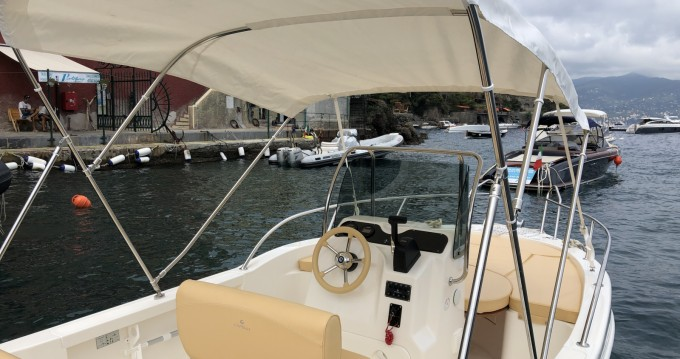 Rental Motorboat in Portofino - Capelli Freedom 18