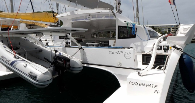 Hire Catamaran with or without skipper Marsaudon Composites Le Marin