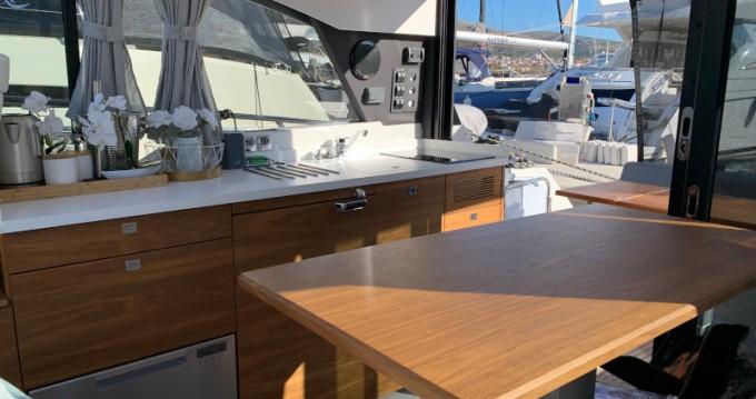Boat rental Grandezza Grandezza 37CA in Trogir on Samboat