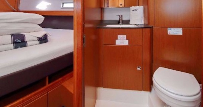 Rental Sailboat in Λαύριο - Bavaria Bavaria Cruiser 41