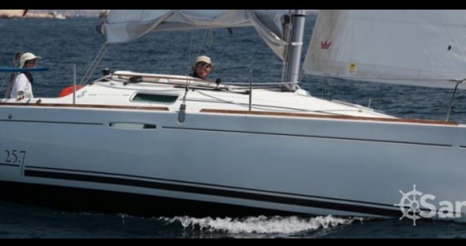 Rental Sailboat in Port du Crouesty - Bénéteau First 25 S