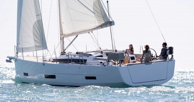 Rental Sailboat in Gouvia - Dufour Dufour 390 Grand Large