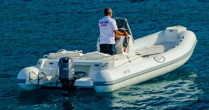 Hire RIB with or without skipper Saver Cefalù