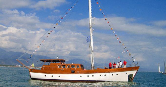 Hire Sailboat with or without skipper freeward Giardini-Naxos