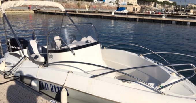 Rental yacht Mandelieu-la-Napoule - Quicksilver Quicksilver 555 Commander on SamBoat
