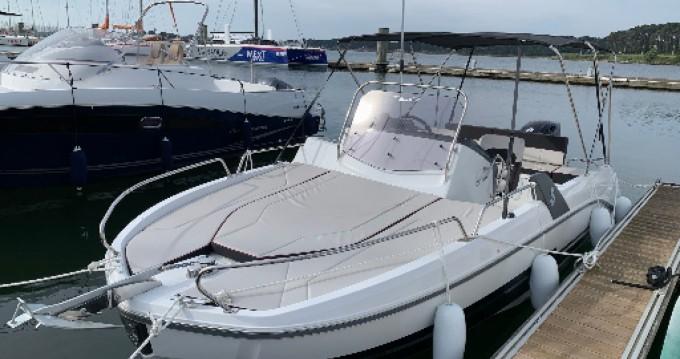 Rental Motorboat in Lorient - Bénéteau Flyer 6.6 SUNdeck