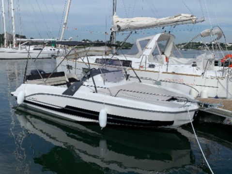 Hire Motorboat with or without skipper Bénéteau Lorient