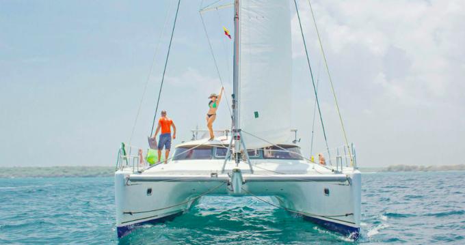 Boat rental Fountaine Pajot Belize 43 in Cartagena on Samboat