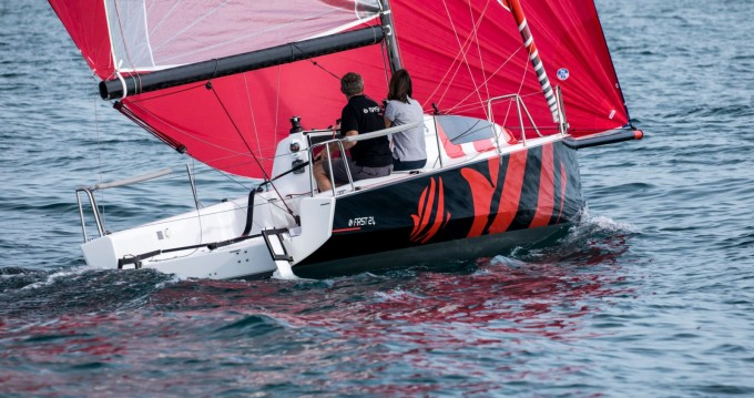 Sailboat for rent Lorient at the best price