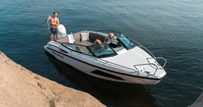 Boat rental Athens cheap NOBLESSE 660