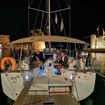 Hire Sailboat with or without skipper Jeanneau Gouvia