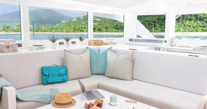 Voyage Voyage 575 between personal and professional Tortola
