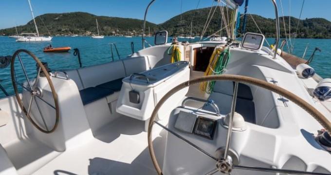 Rental Sailboat in Vlycho - Bénéteau Cyclades 43.3
