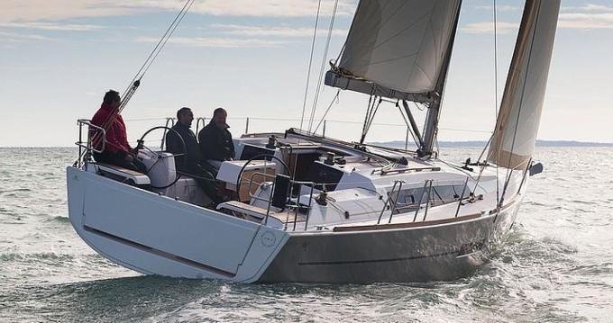 Rental yacht Port Grimaud - Dufour Dufour 382 on SamBoat