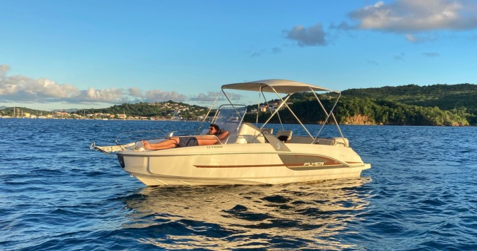 Motorboat for rent Les Trois Îlets at the best price