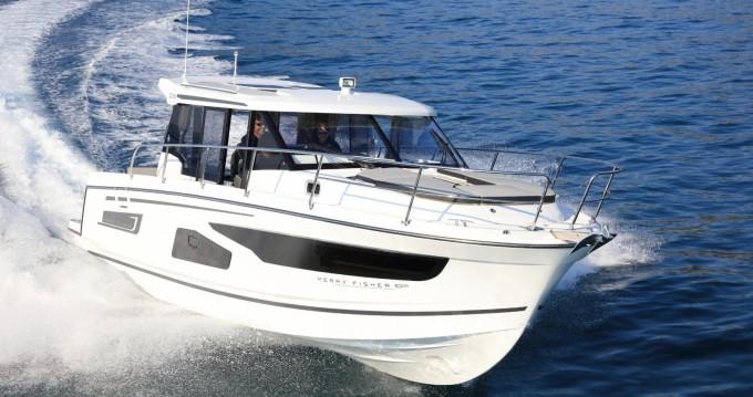 Boat rental Jeanneau Jeanneau Merry Fisher 1095 in Split on Samboat