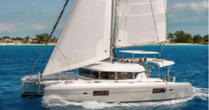 Rental Catamaran in Saint-Raphaël - Lagoon Lagoon 42