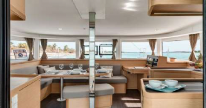Hire Catamaran with or without skipper Lagoon Saint-Raphaël