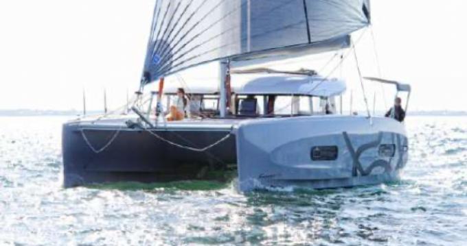 Boat rental Toulon cheap Excess 11