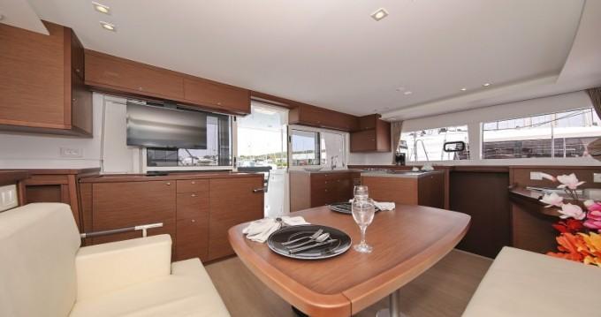 Boat rental Porto-Vecchio cheap Lagoon 450 Sport Top