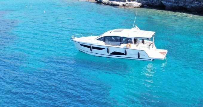 Boat rental Athens cheap Sealine C 430