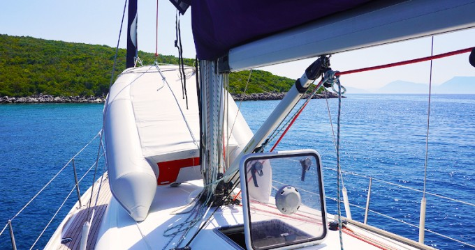 Boat rental Jeanneau Sun Odyssey 39i in Alimos on Samboat