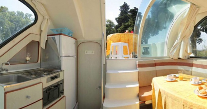 Boat rental  Confort 900 DP in Sireuil on Samboat