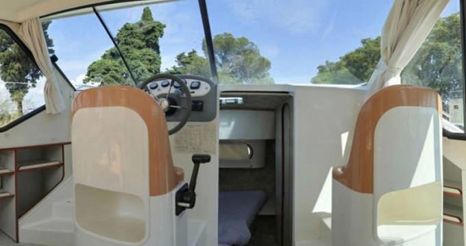 Boat rental Sireuil cheap Confort 900 DP