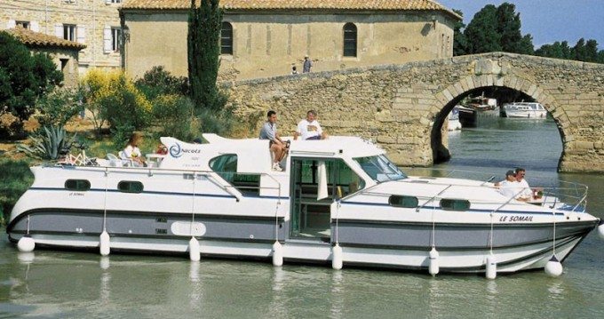 Hire Motorboat with or without skipper  Sablé-sur-Sarthe