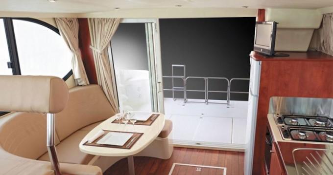 Rental Motorboat in Dole -  Estivale Quattro B