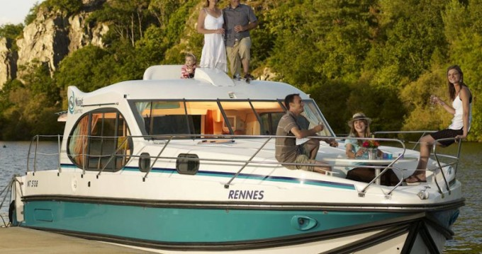 Boat rental Dole cheap Estivale Quattro S