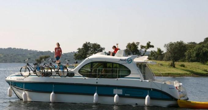 Rental Motorboat in Sireuil -  Estivale Quattro B