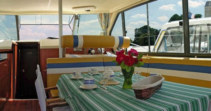 Hire Motorboat with or without skipper  Brienon-sur-Armançon