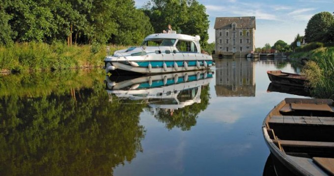Hire Motorboat with or without skipper  Cahors