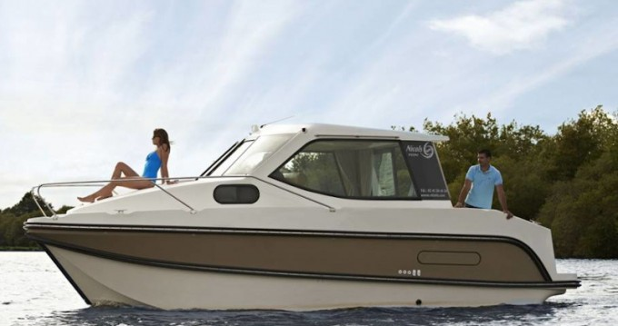 Hire Motorboat with or without skipper  Sucé-sur-Erdre