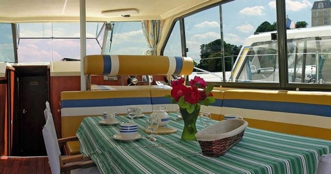 Rental Motorboat in Sireuil -  Sedan 1160 N