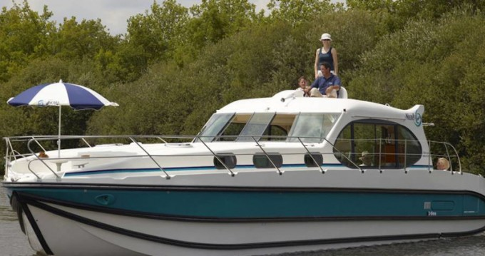 Motorboat for rent Avignonet-Lauragais at the best price
