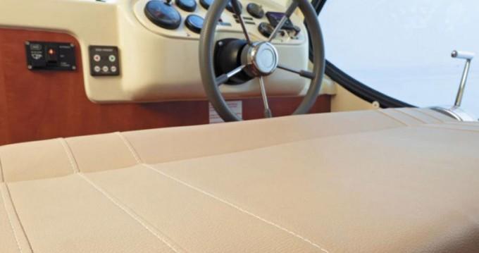 Rental Motorboat in Avignonet-Lauragais -  Estivale Sixto Prestige C