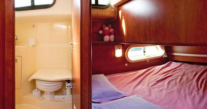 Rental yacht Grez-Neuville -  Sedan 1000 on SamBoat