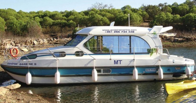 Motorboat for rent Amieira at the best price
