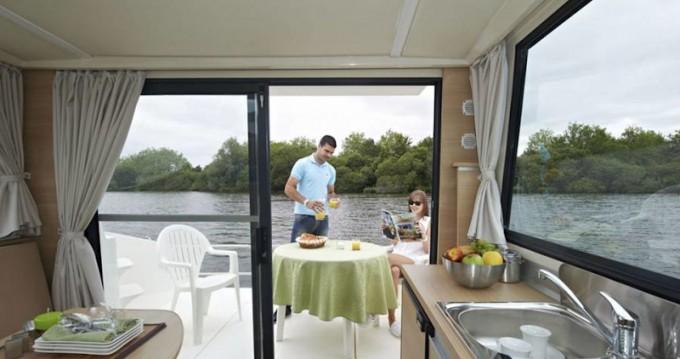 Boat rental  Sedan Primo in Sablé-sur-Sarthe on Samboat