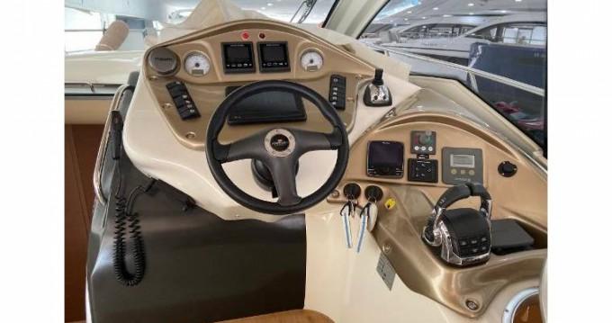 Rental yacht Empuriabrava - Cranchi Cranchi 39 on SamBoat