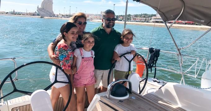 Rental Sailboat in Lisbon - Bavaria Cruiser 34