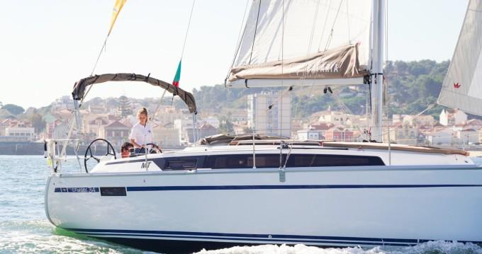 Boat rental Bavaria Cruiser 34 in Lisbon on Samboat