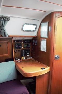 Rental Sailboat in Concarneau - Bénéteau Oceanis 311