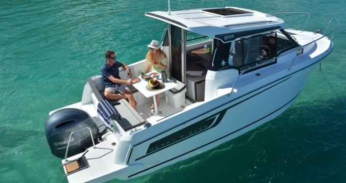 Jeanneau Merry Fisher 695 between personal and professional Trogir