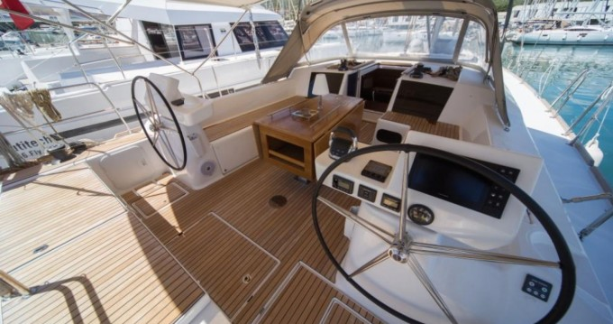 Rental Sailboat in Pointe-à-Pitre - Dufour Dufour 520 Grand Large