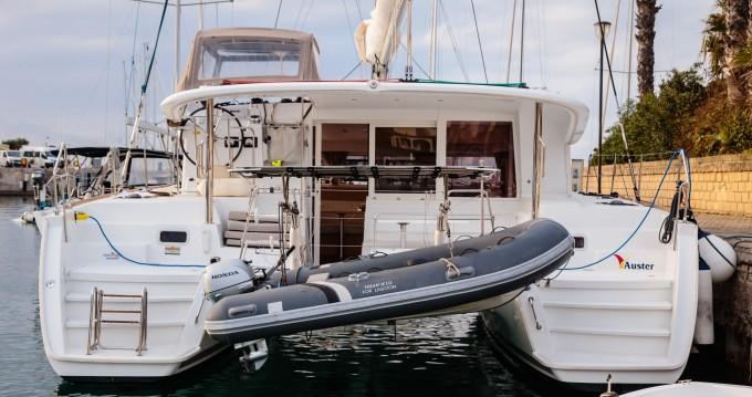 Boat rental Lagoon Lagoon 400 S2 in Salerno on Samboat